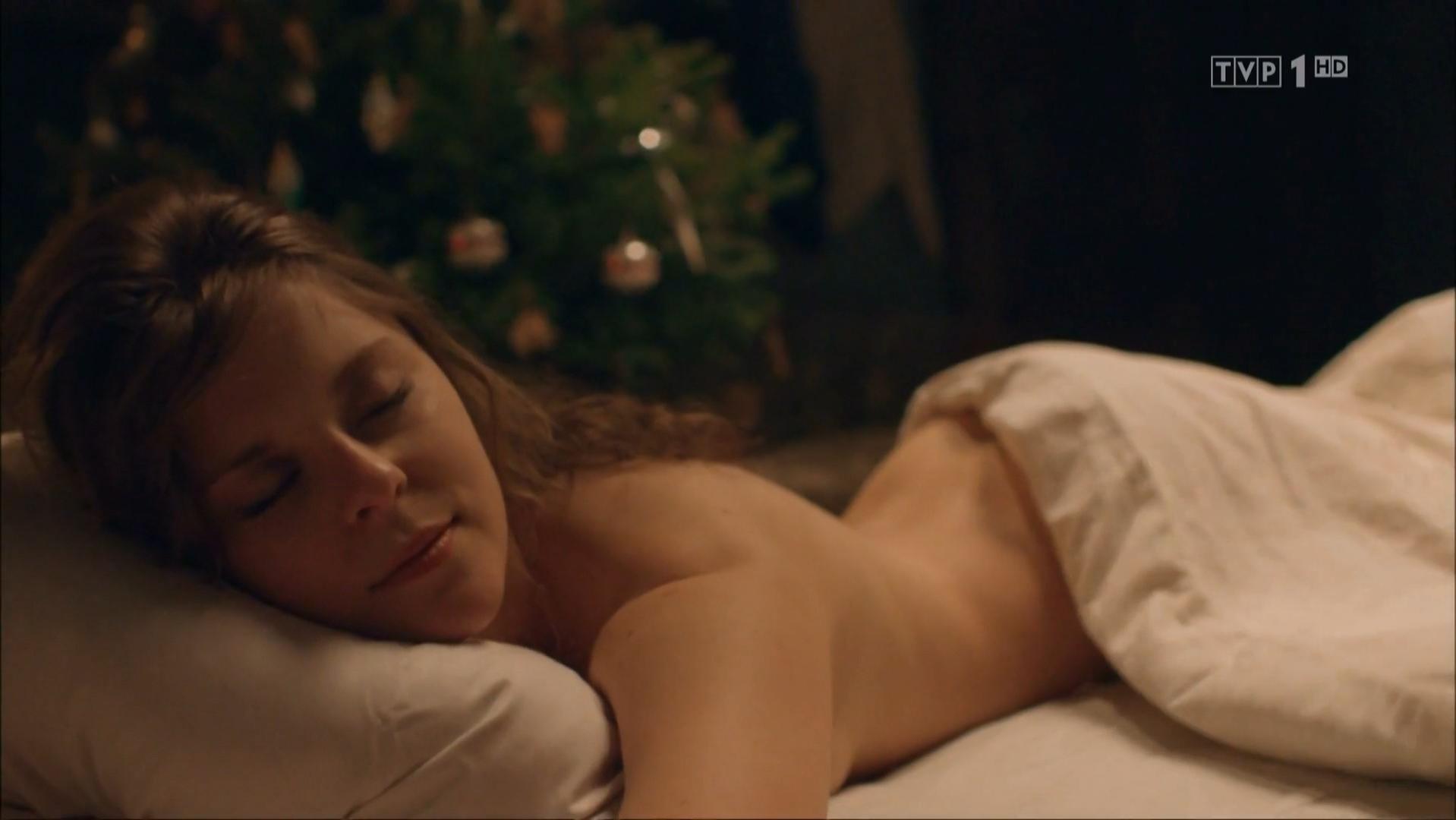 Angelika Kurowska nude - Bodo s01e03 (2016)