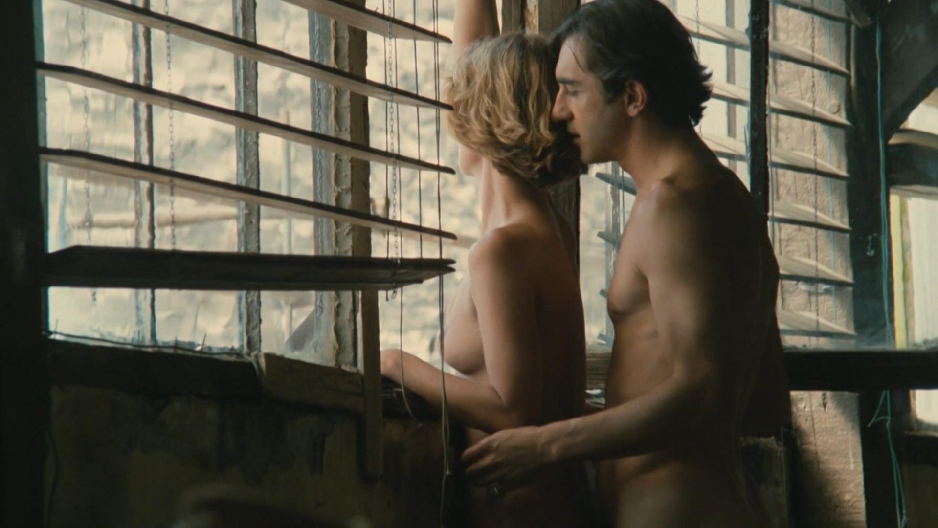 Nicole Garcia nude, Anemone nude - Peril (1985)