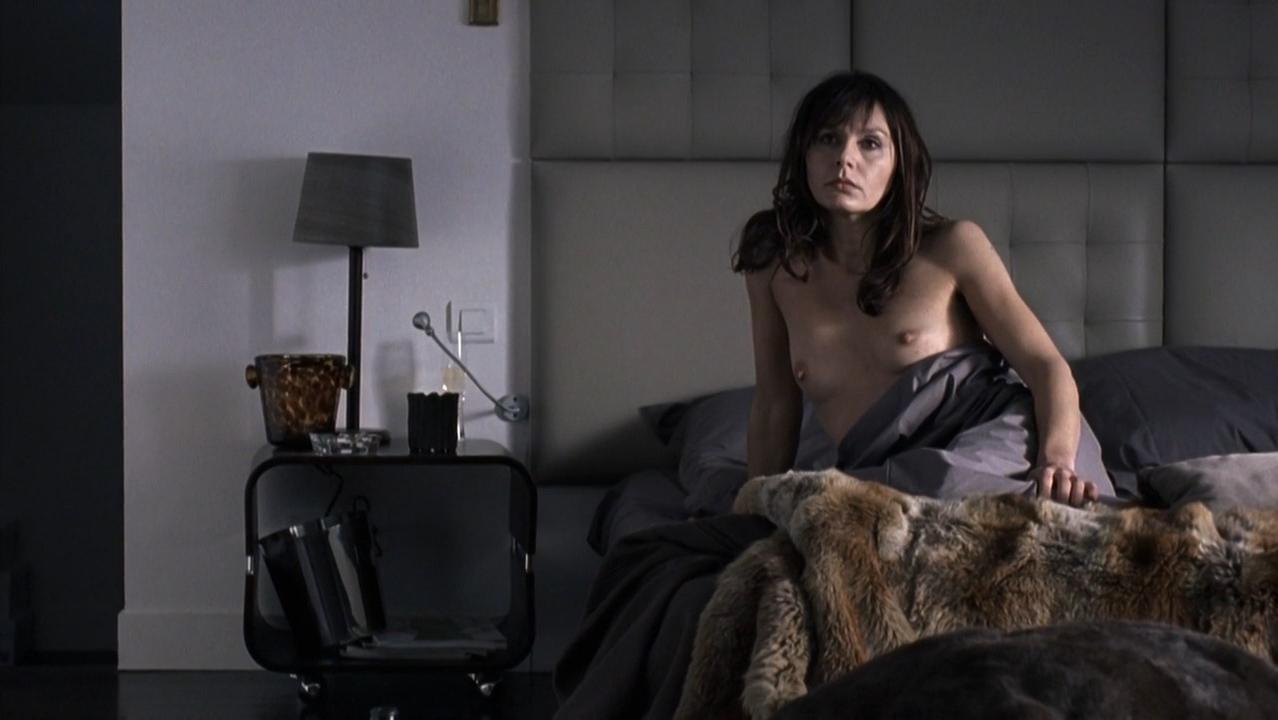 Lilou Fogli nude, Sylvie Paupardin nude, Karole Rocher nude - underwearquo s01e01-02 (2009)