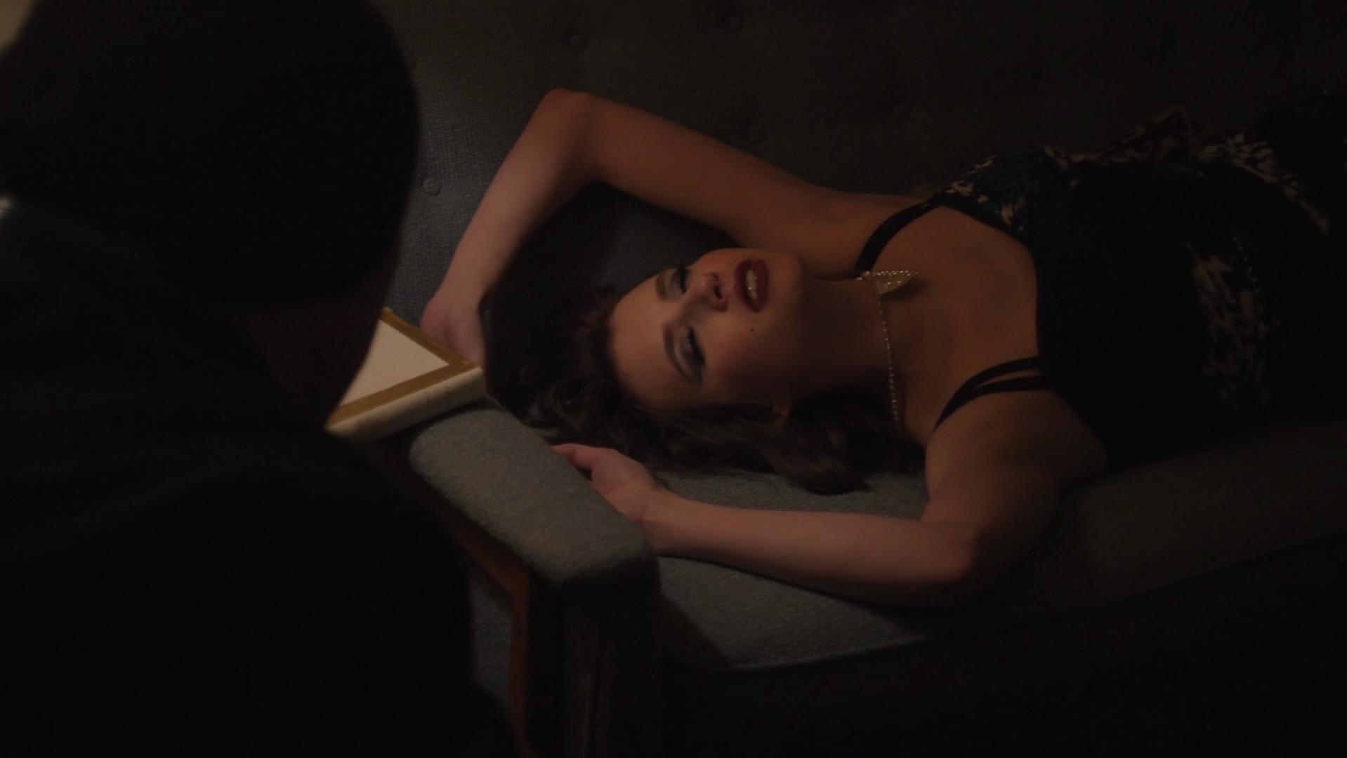 Emma Roberts sexy - Adult World (2013)
