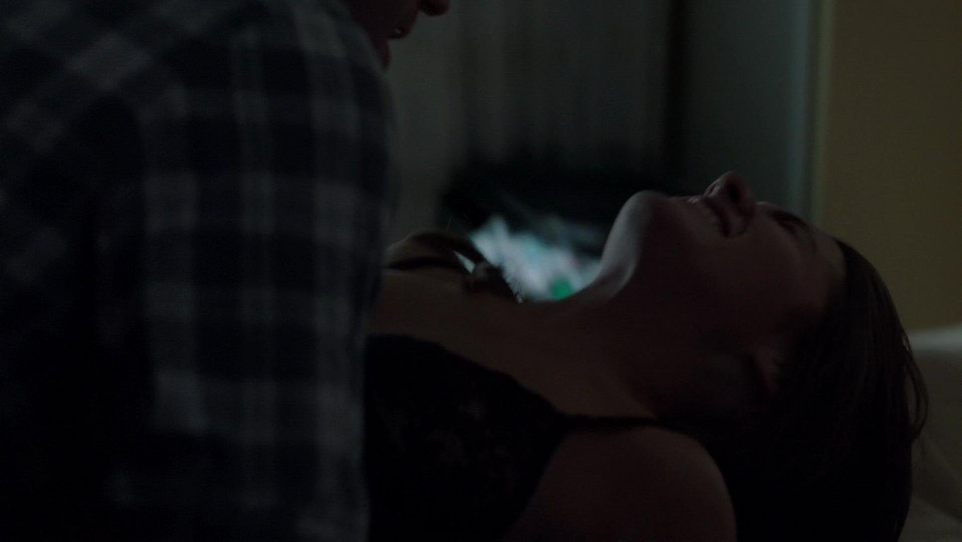 Addison timlin sex scene in the awkward moment 9