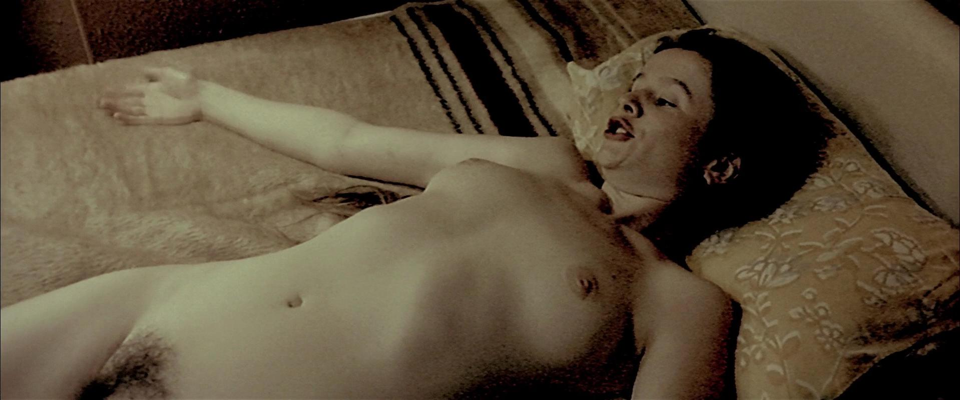 Emily Watson nude - Breaking the Waves (1996)