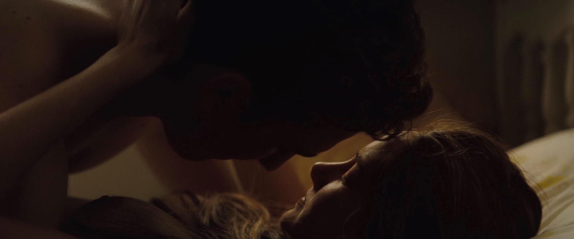 Shailene Woodley nude - The Spectacular Now (2013)