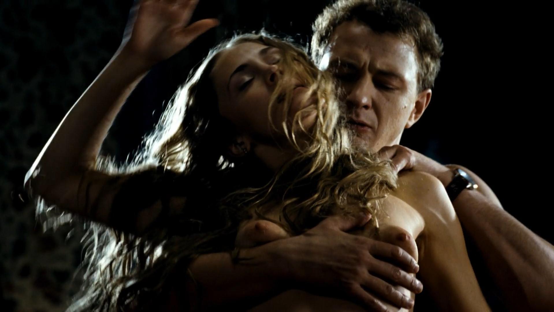 Anna Kazuchic nude - Julenka (2009)