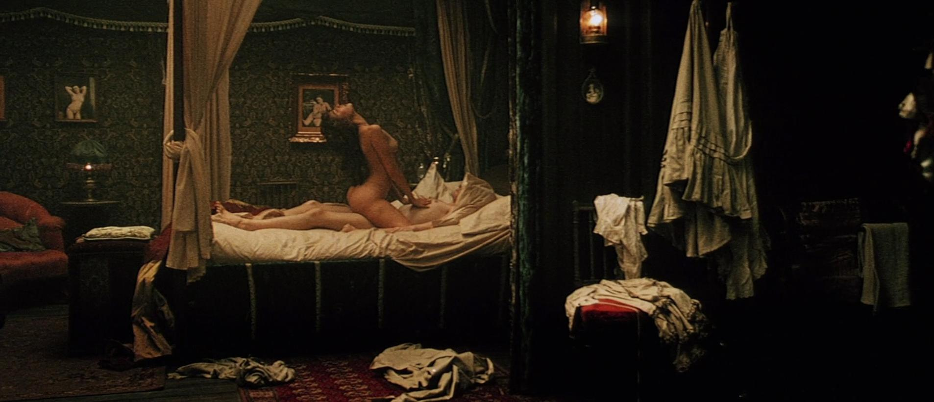 Vahina Giocante nude - Blueberry (2004)