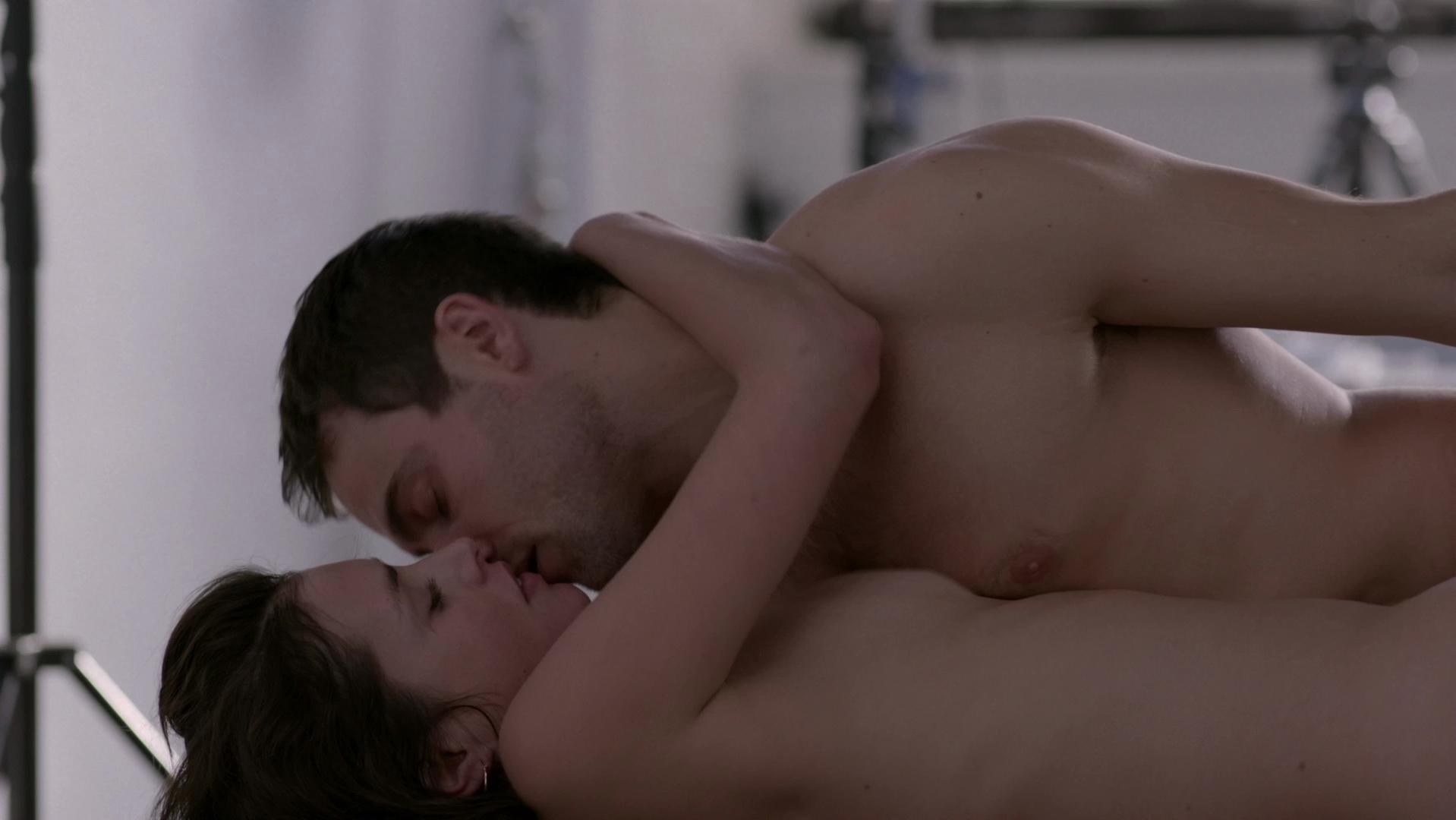 Hannah Ware sexy - Betrayal s01e01 (2013)