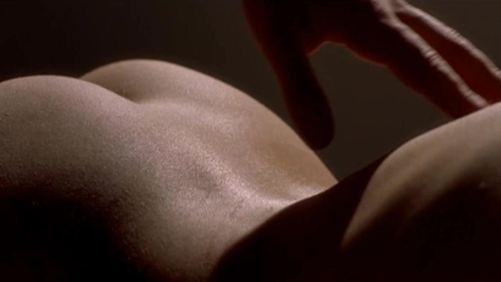 Jessica Biel nude - London (2005)