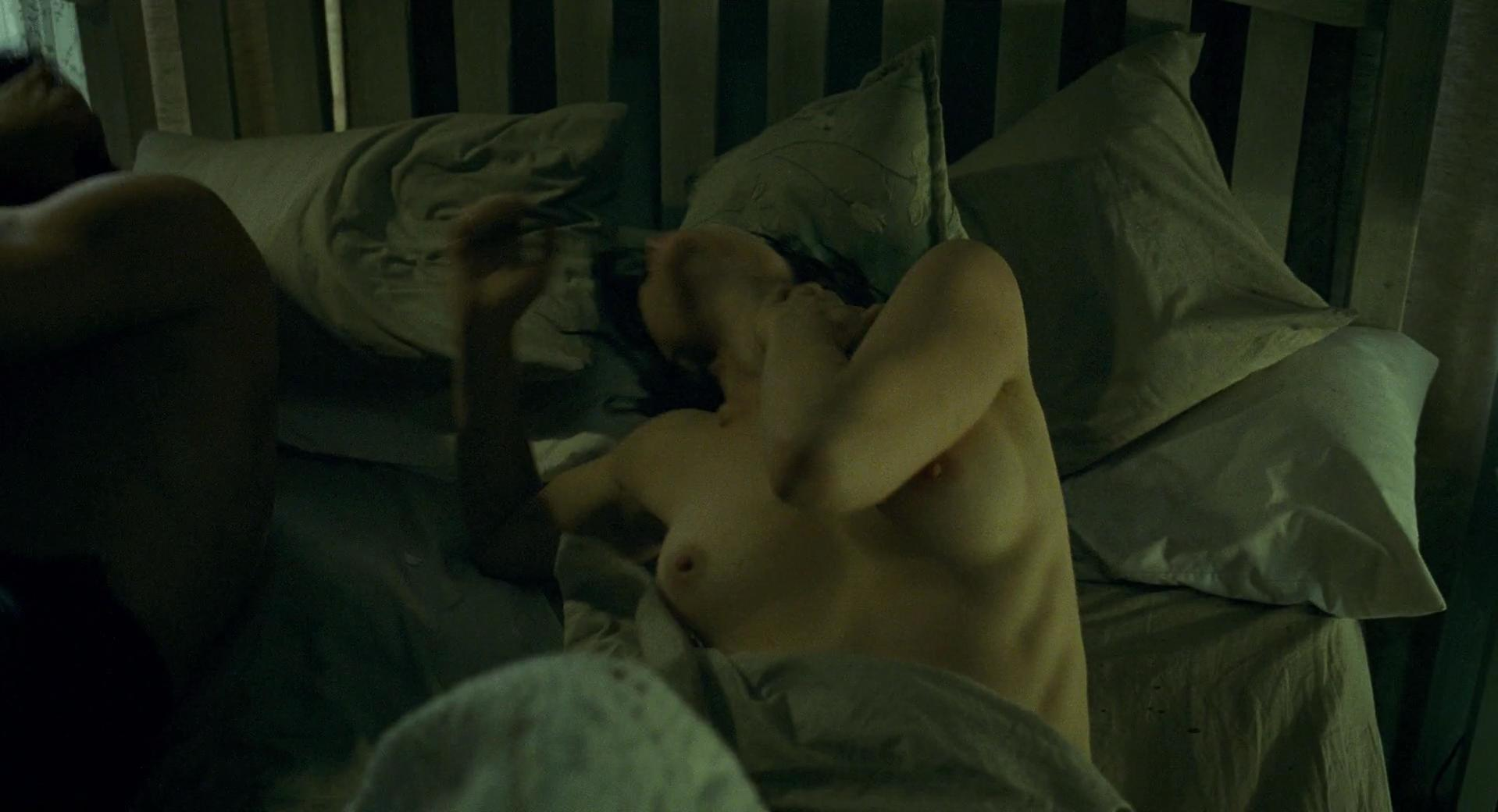 naked bath tub sex