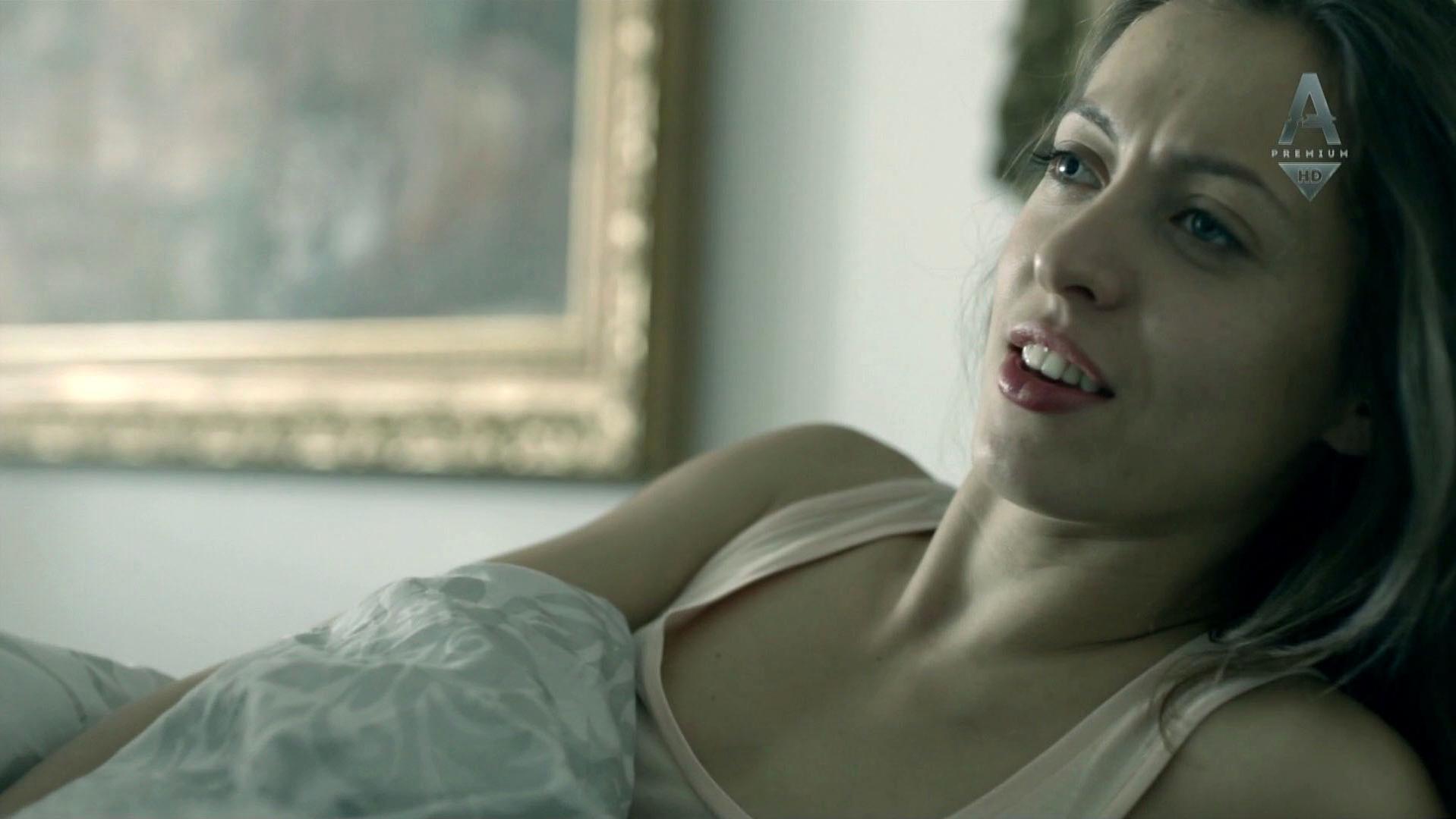 Anastasiya Meskova sexy - Sladkaya zhizn s01e02 (2014)
