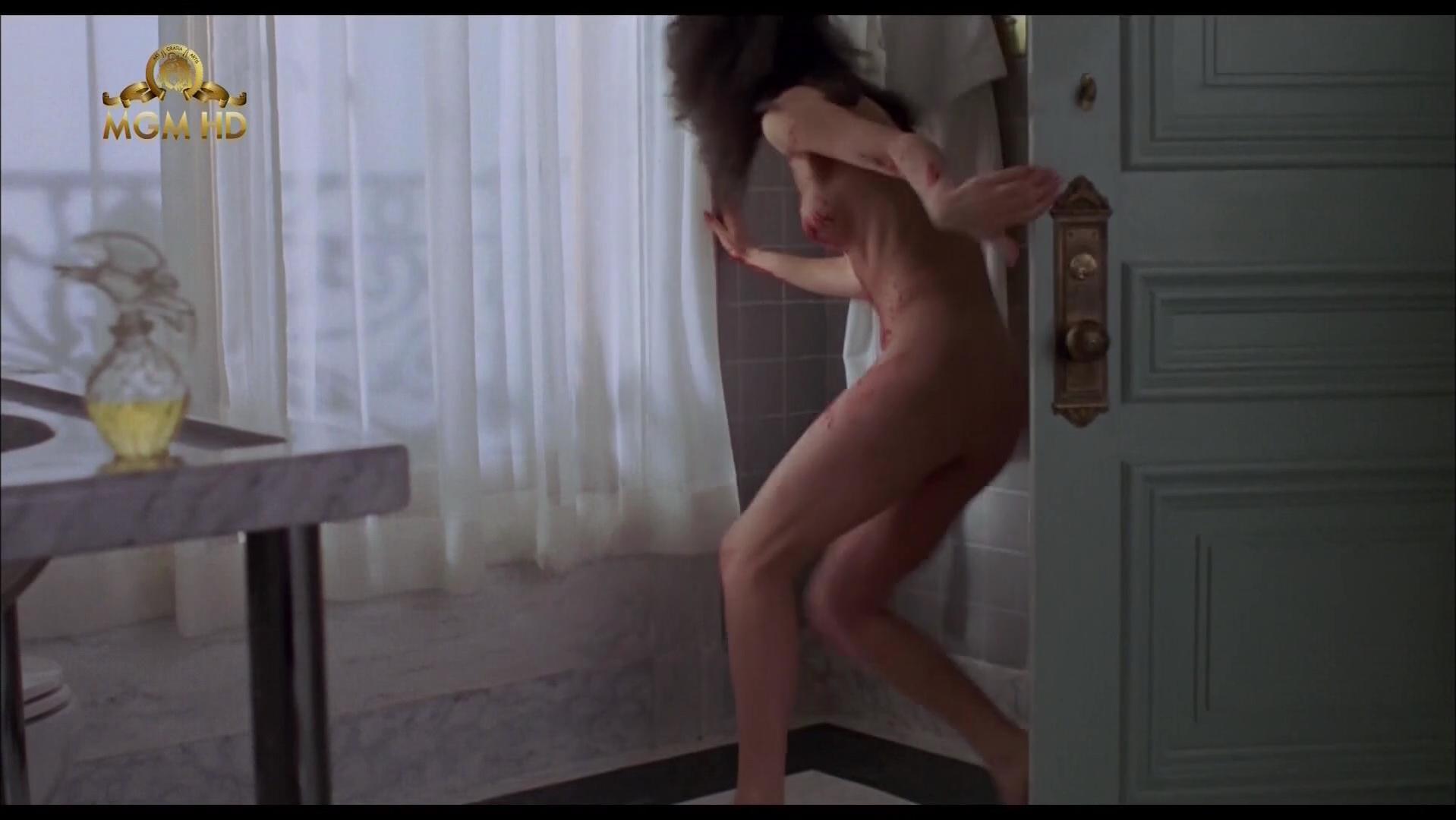 daphne naked