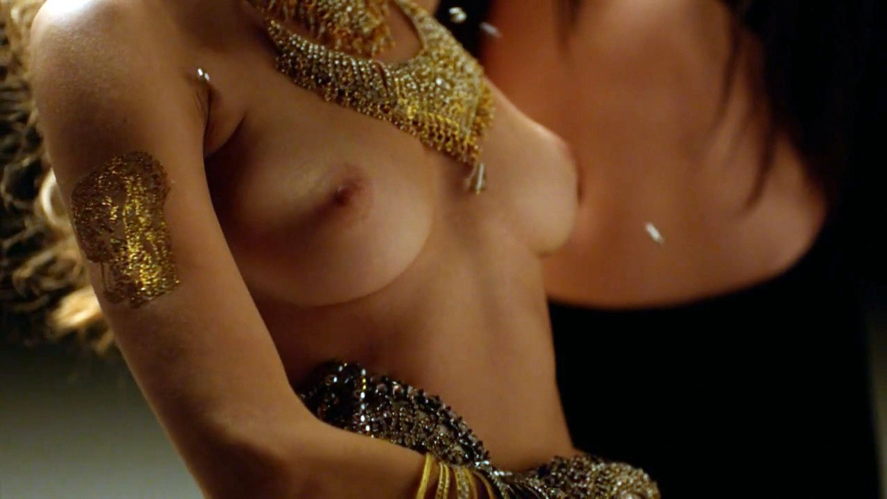 Naked australian curvy