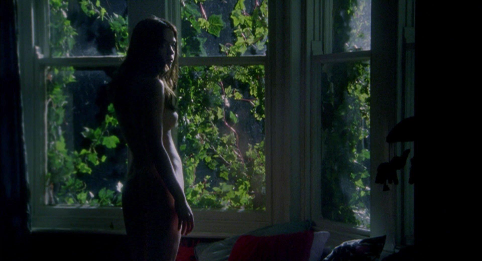 Emily Blunt nude, Natalie Press nude - My Summer of Love (2004)