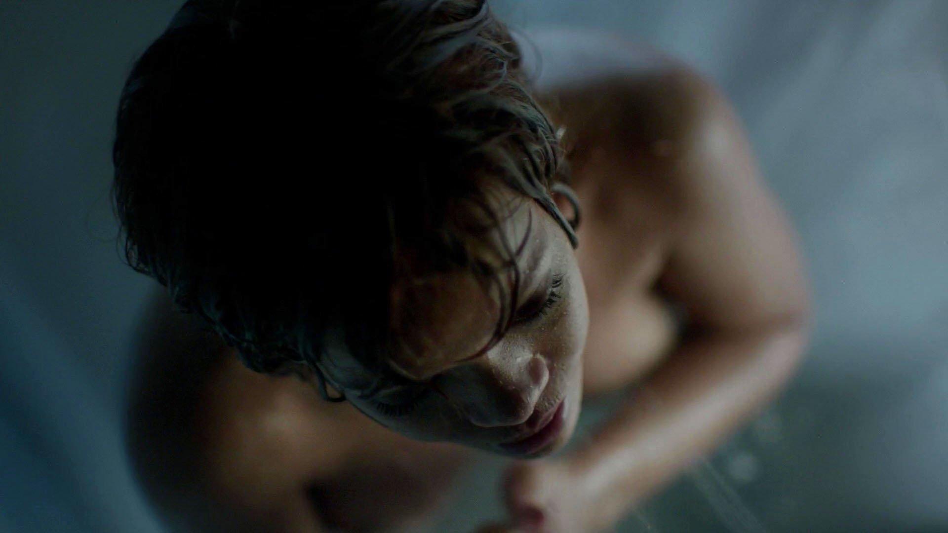 Rihanna sexy - Bates Motel s05e06 (2017)