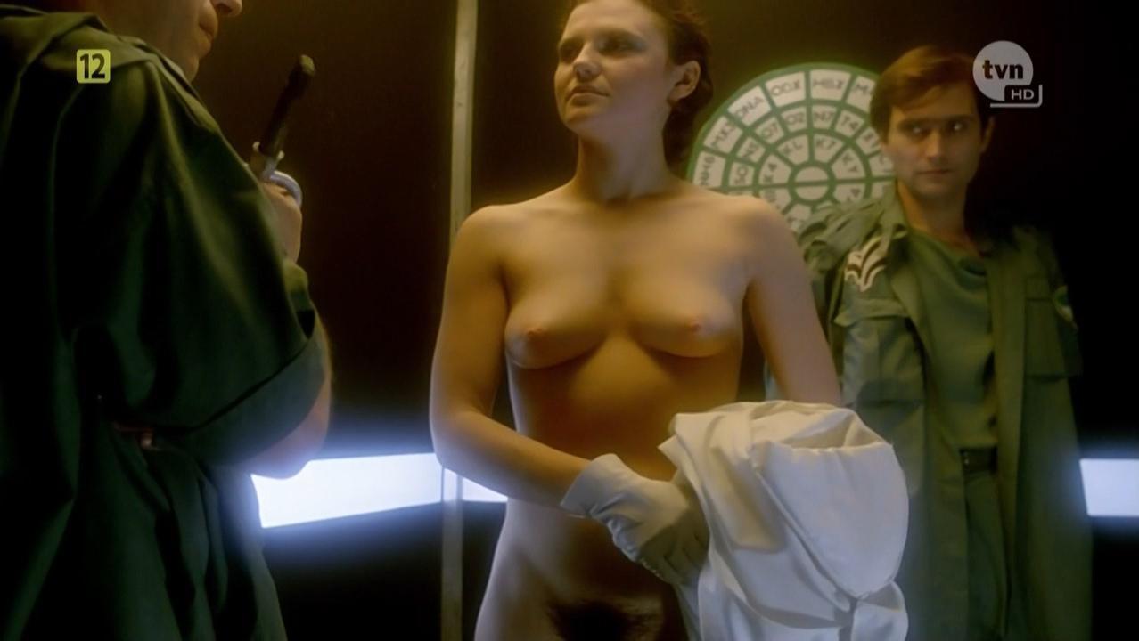 Karina Szafranska nude, Bozena Stryjkowna nude, Boguslawa Pawelec nude - Seksmisja (1984)