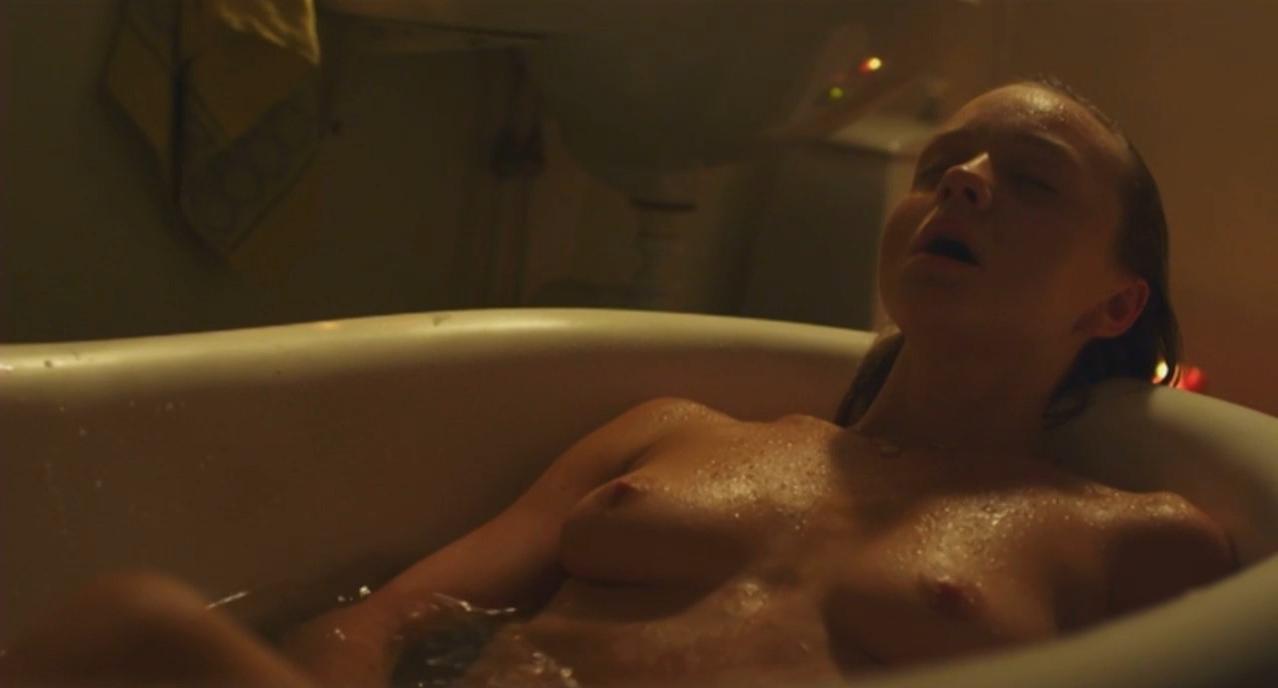 Anna Astrom nude - Vi (2013)