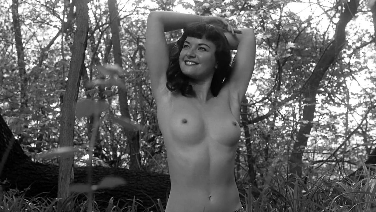 Gretchen Mol nude - The Notorious Bettie Page (2005)