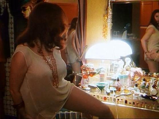 Stefania Sandrelli nude - Caramelles (1996)