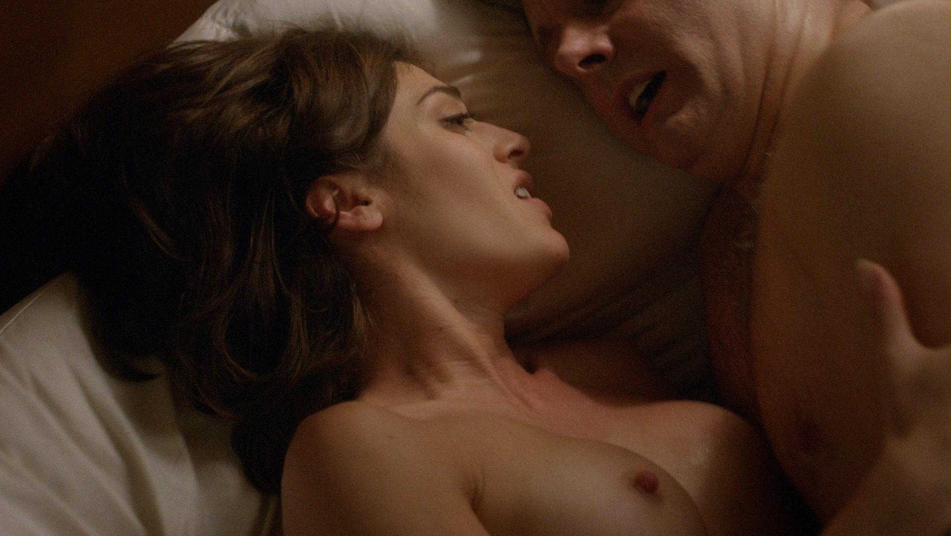 Lizzy Caplan nude - Masters of Sex s03e09 (2015)