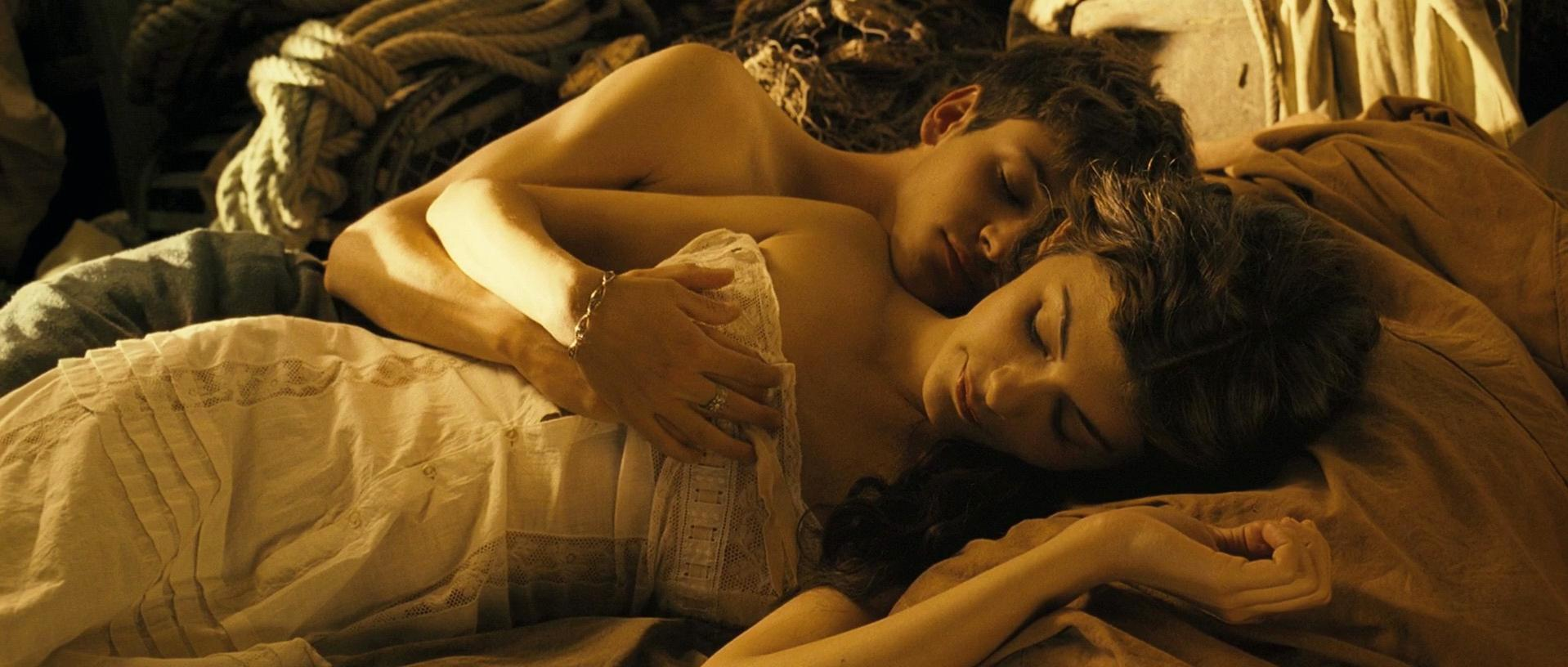 Audrey Tautou nude - A Very Long Engagement (2004)