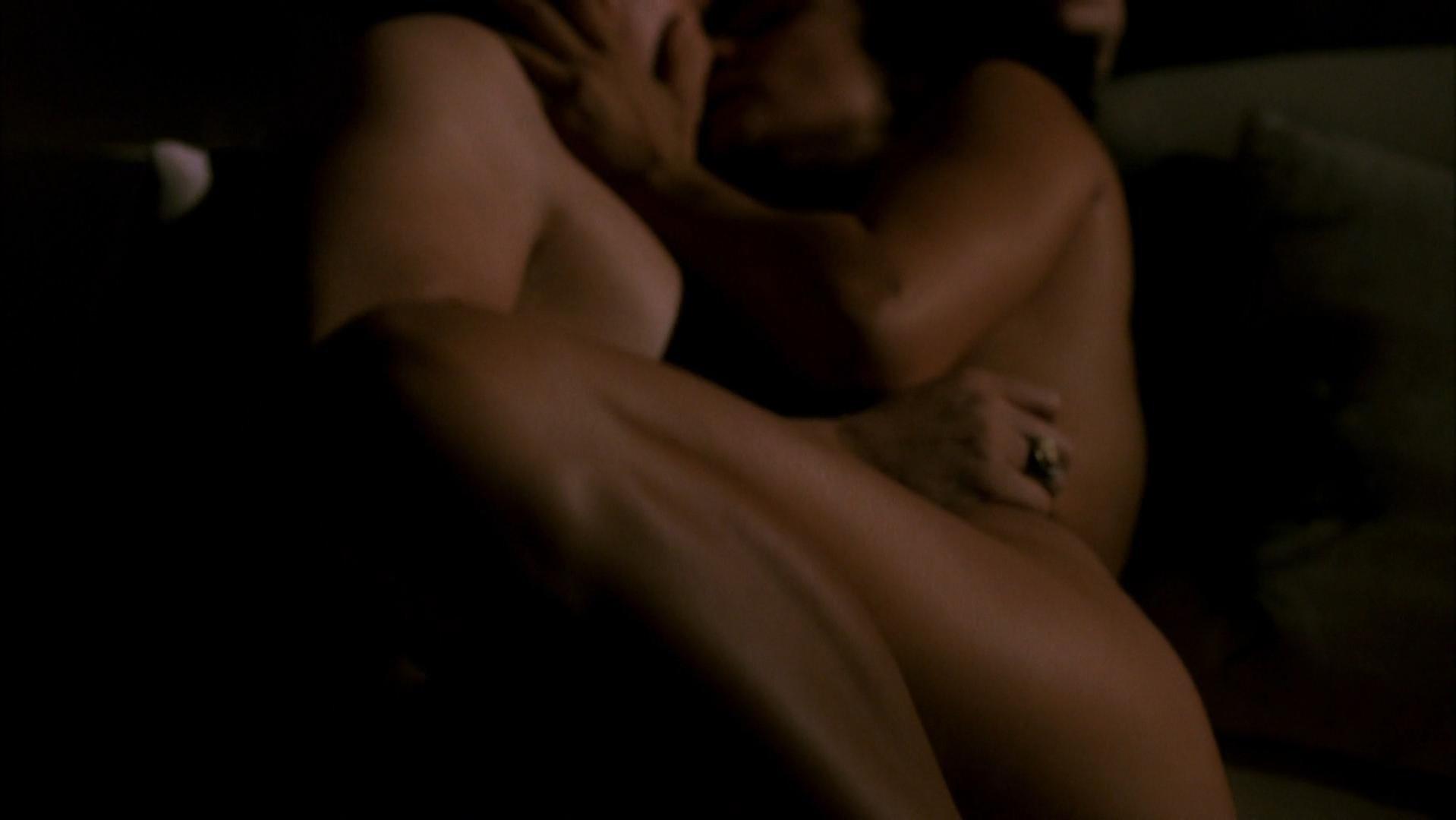 Indira Varma nude - Rome s01e06 (2005)