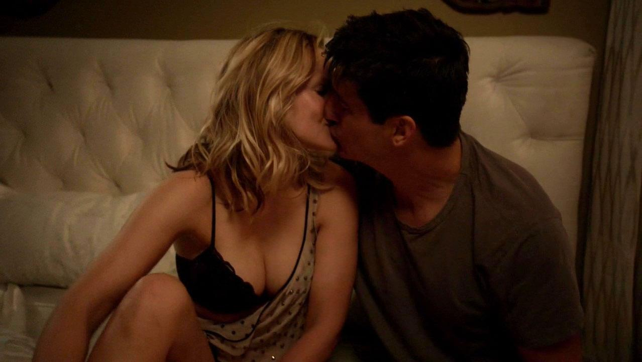 Kristen Bell sexy - House of Lies s05e01 (2016)