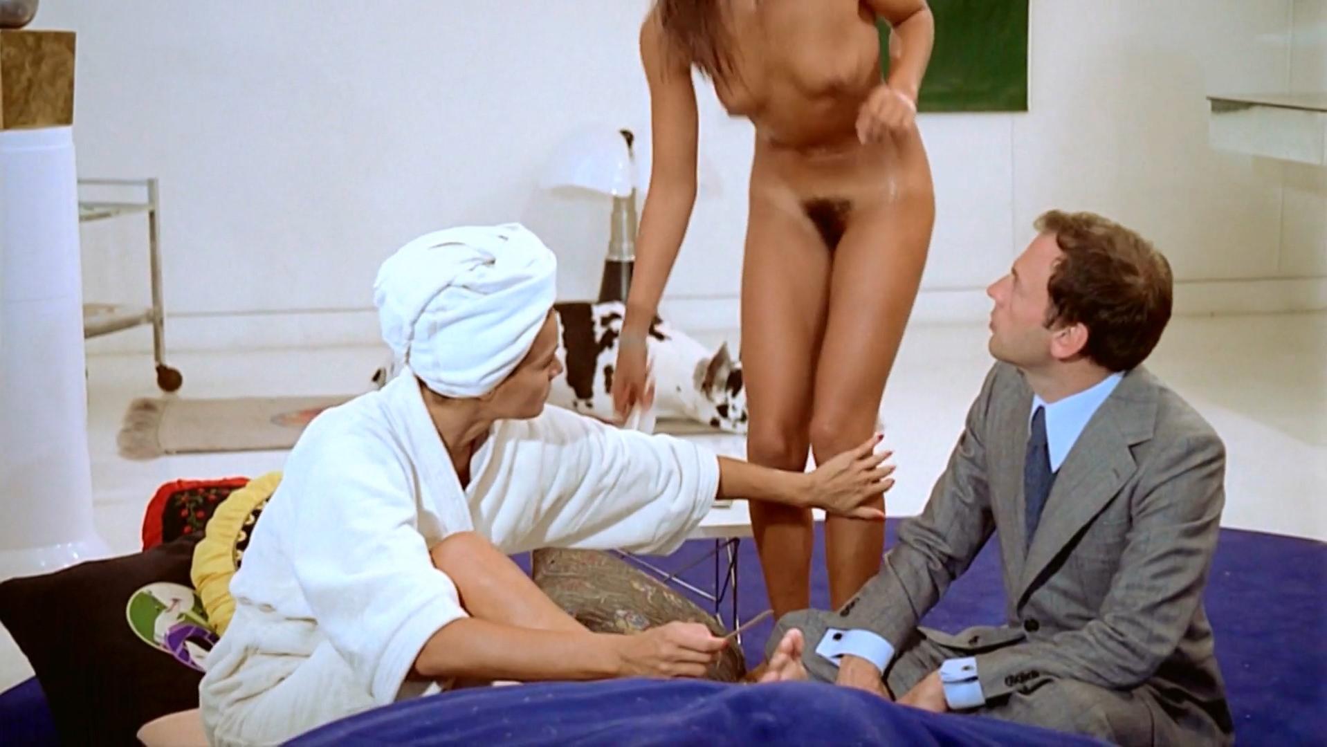 Romy Schneider nude, Christine Boisson nude, Betty Berr nude - Le Mouton Enrage (1974)