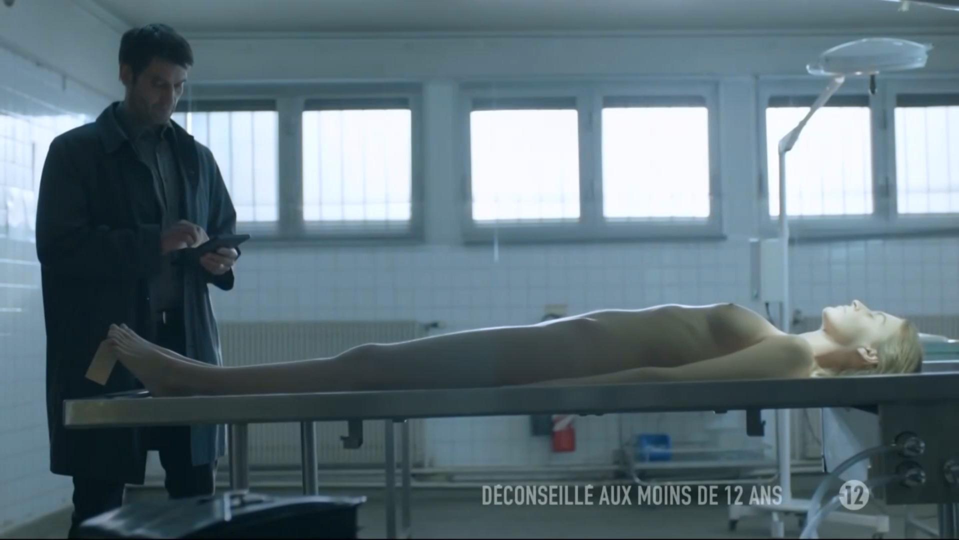 Yuliya Denisova nude - underwearquo s03e04 (2014)