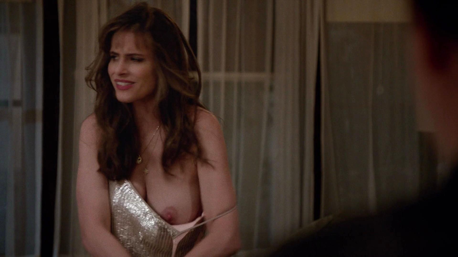 Amanda Peet nude - Togetherness s02e02 (2016)