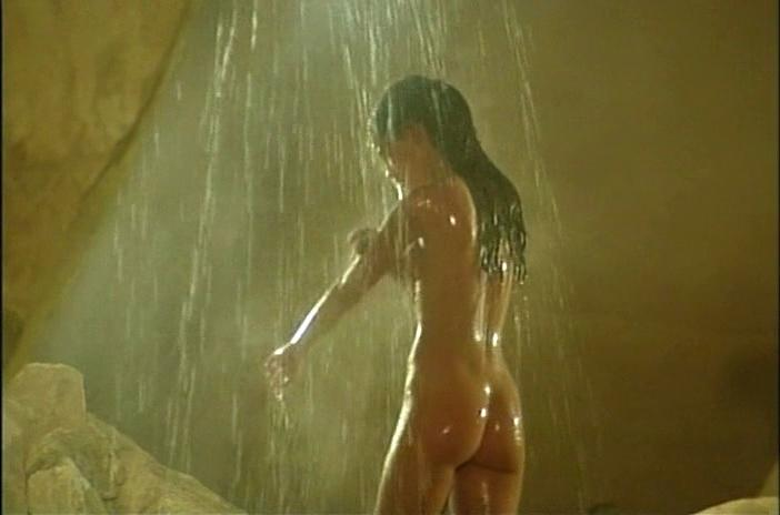Phoebe cates nude pic
