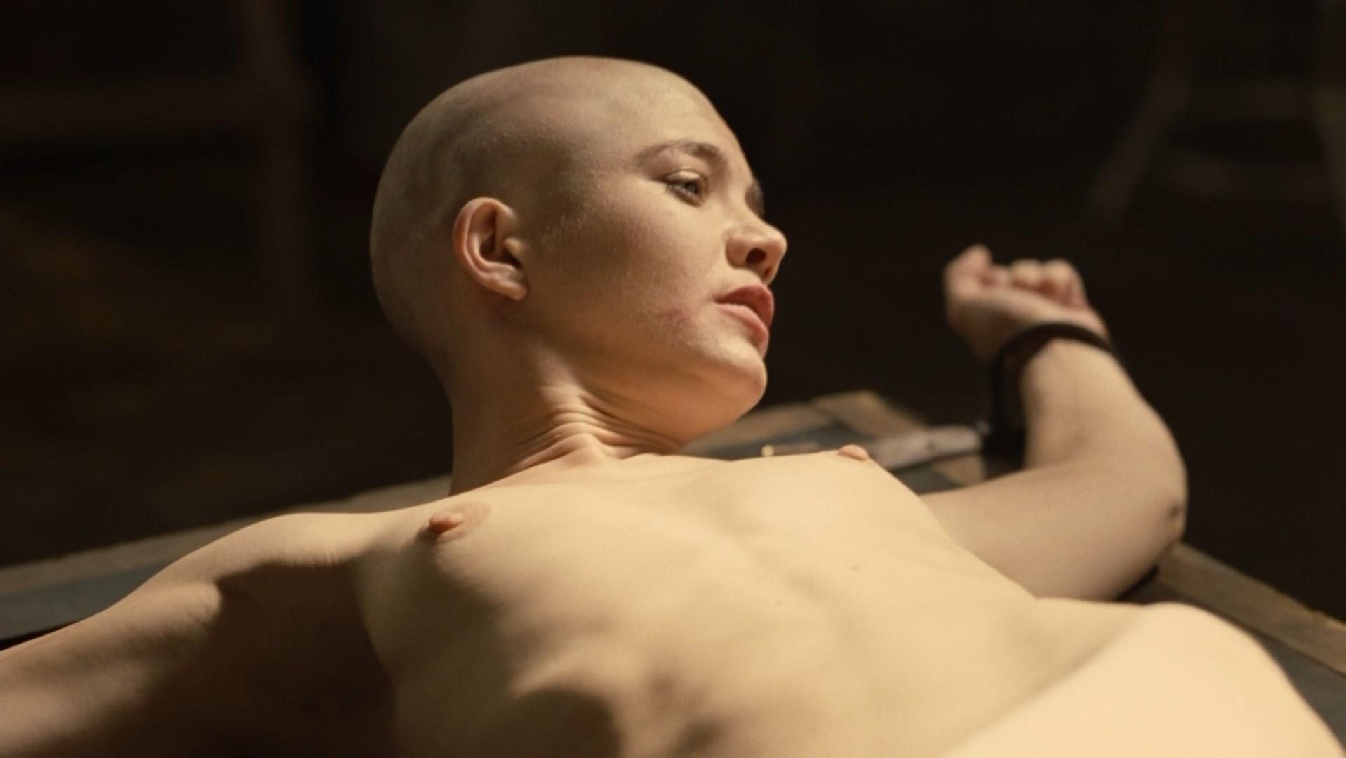 nude Delphine chaneac