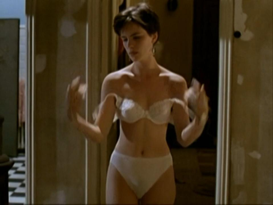 linda cardellini in the nude
