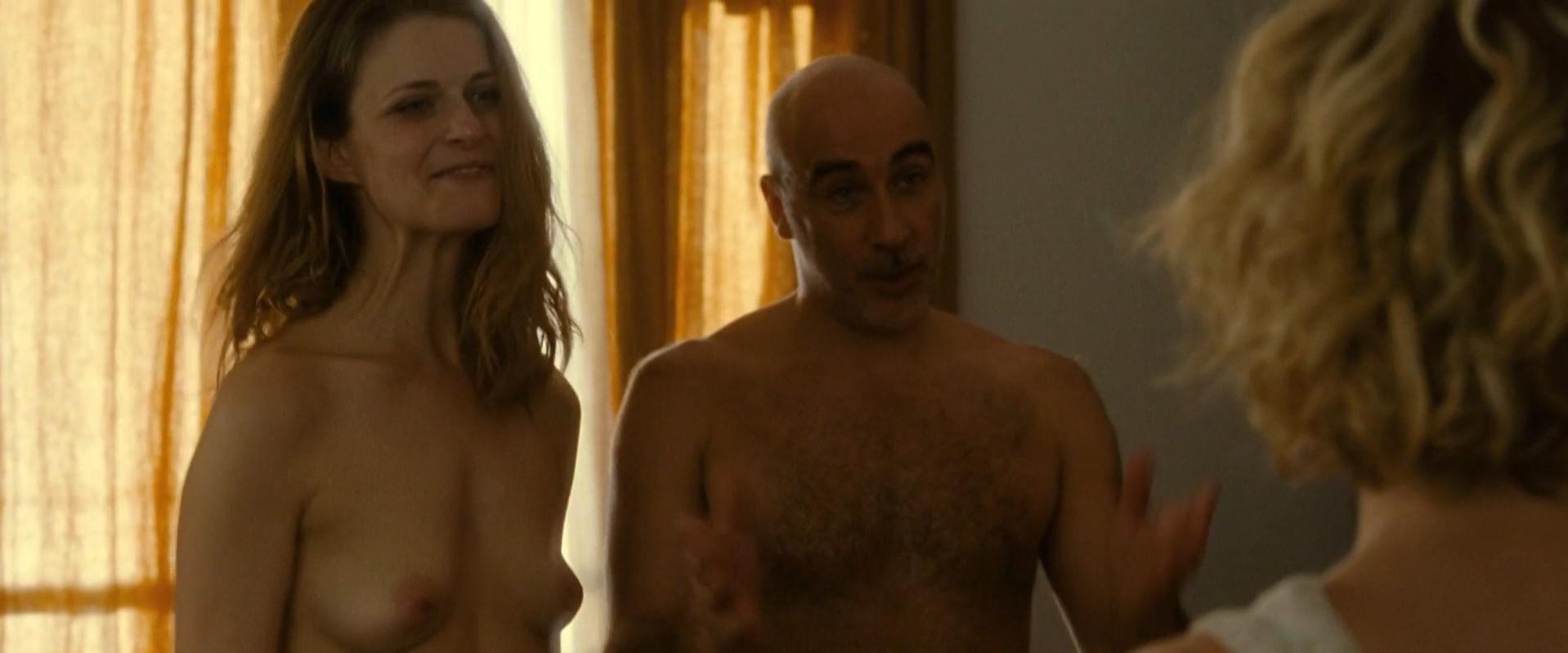 Floriane Muller nude - Jamais le premier soir (2014)