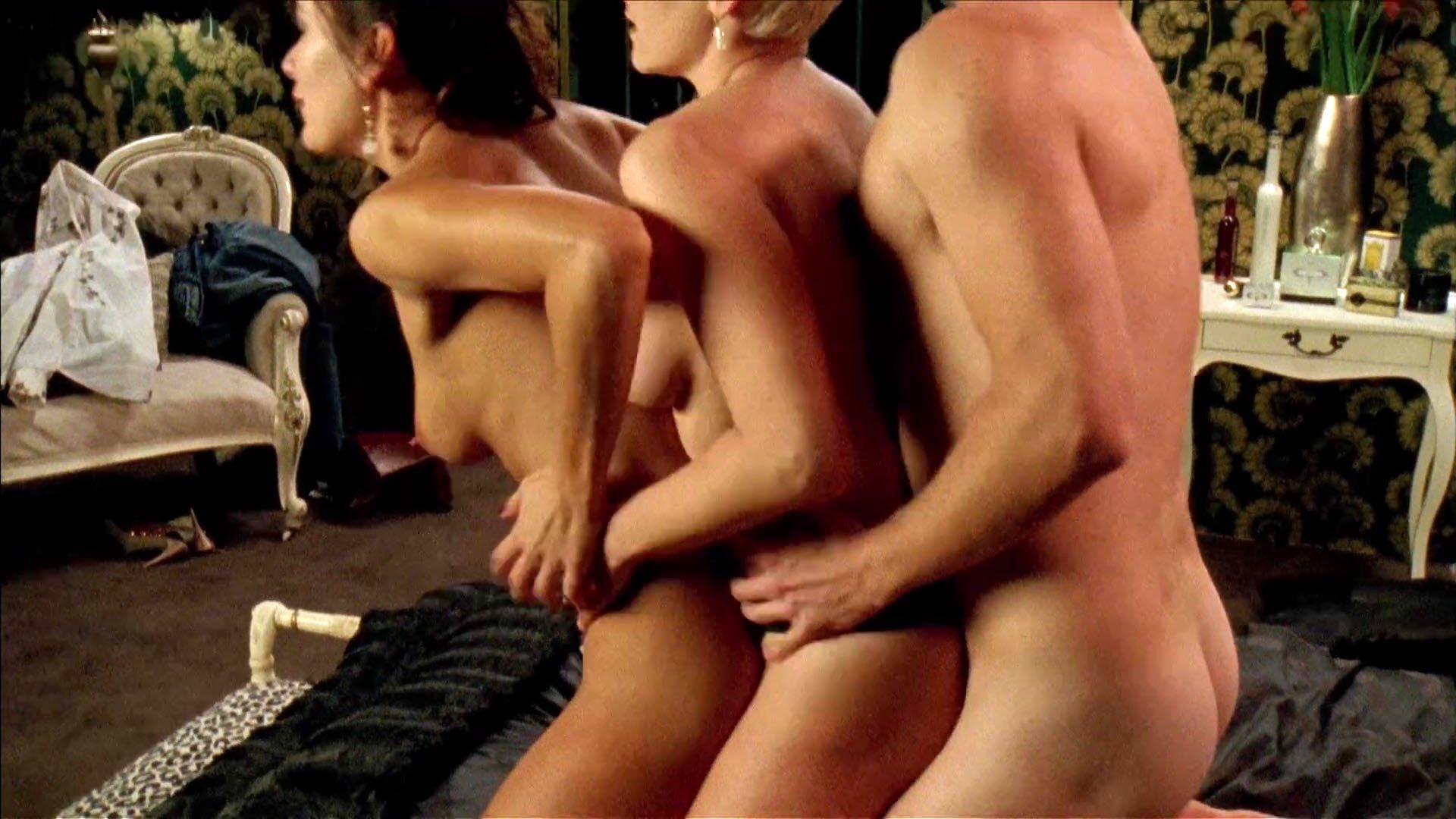 Peta Sergeant nude - Satisfaction s02e02-06 (2009)