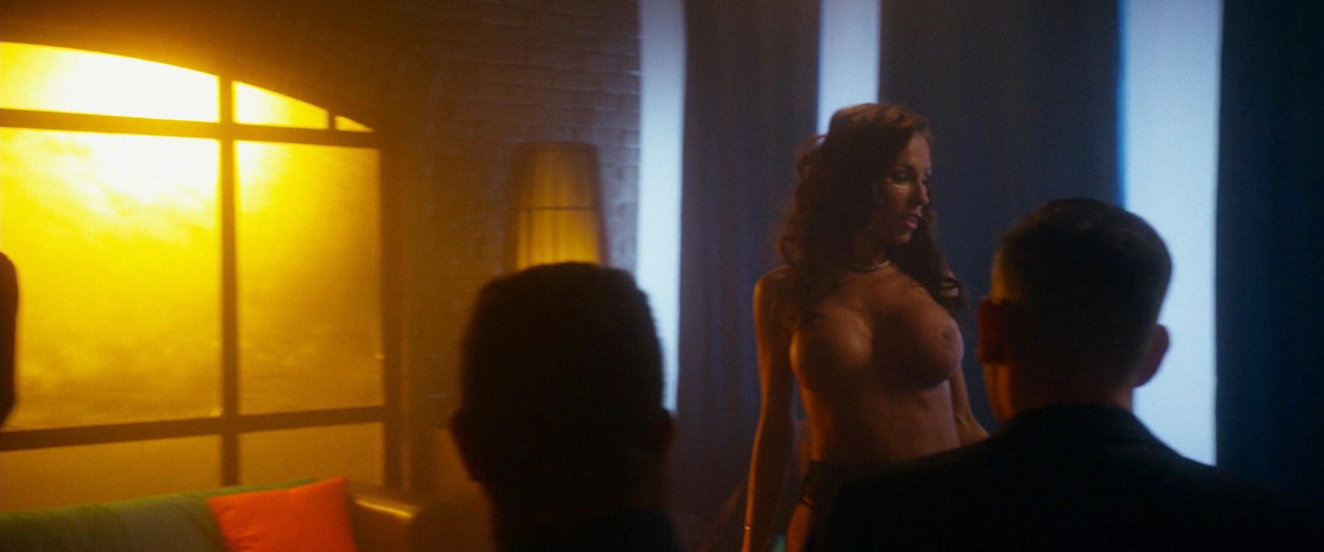 Aria London nude - Vice (2015)