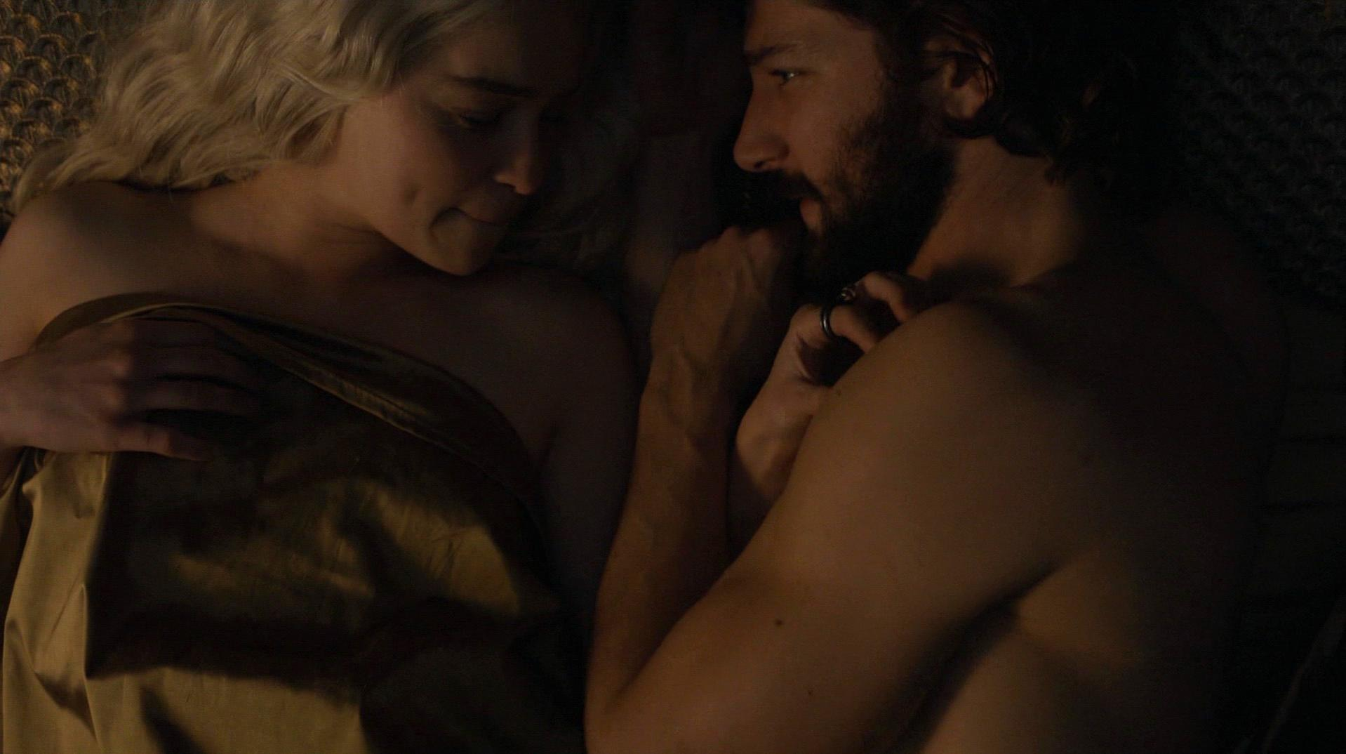 Game of thrones emilia clarke sex scene