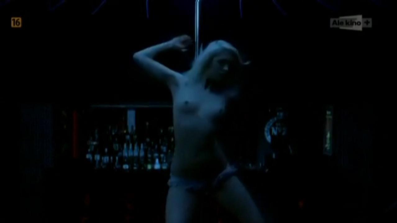 Agnieszka Zulewska nude, Monika Pokorska nude - Fragmenty (2014)