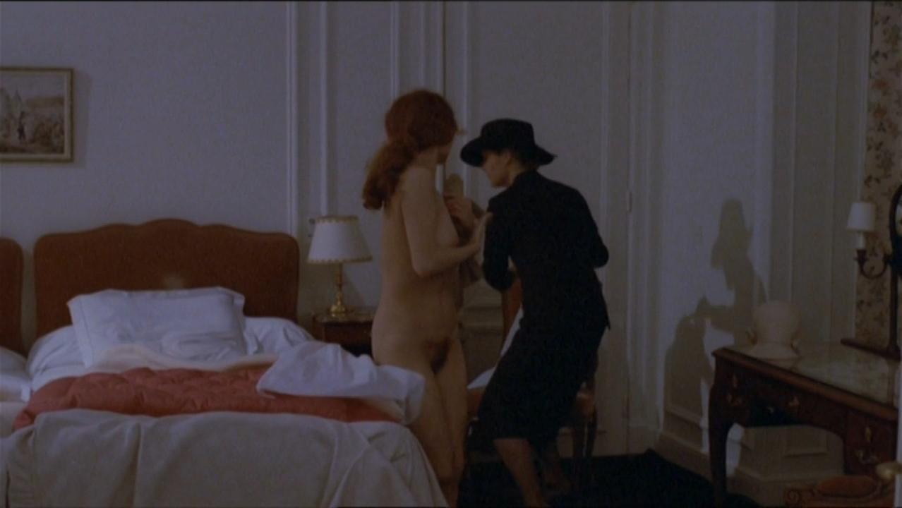 Anne Jousset nude - La banquiere (1980)