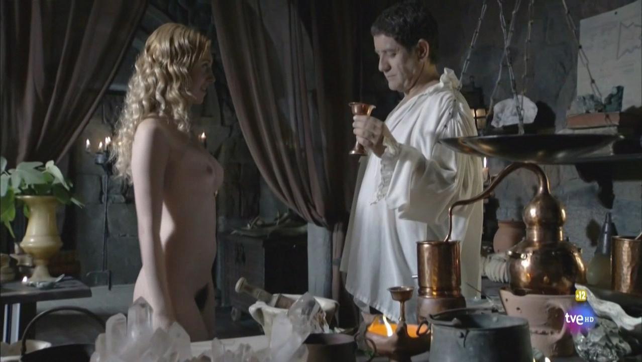 Blanca Espino nude - Isabel s01e06 (2012)
