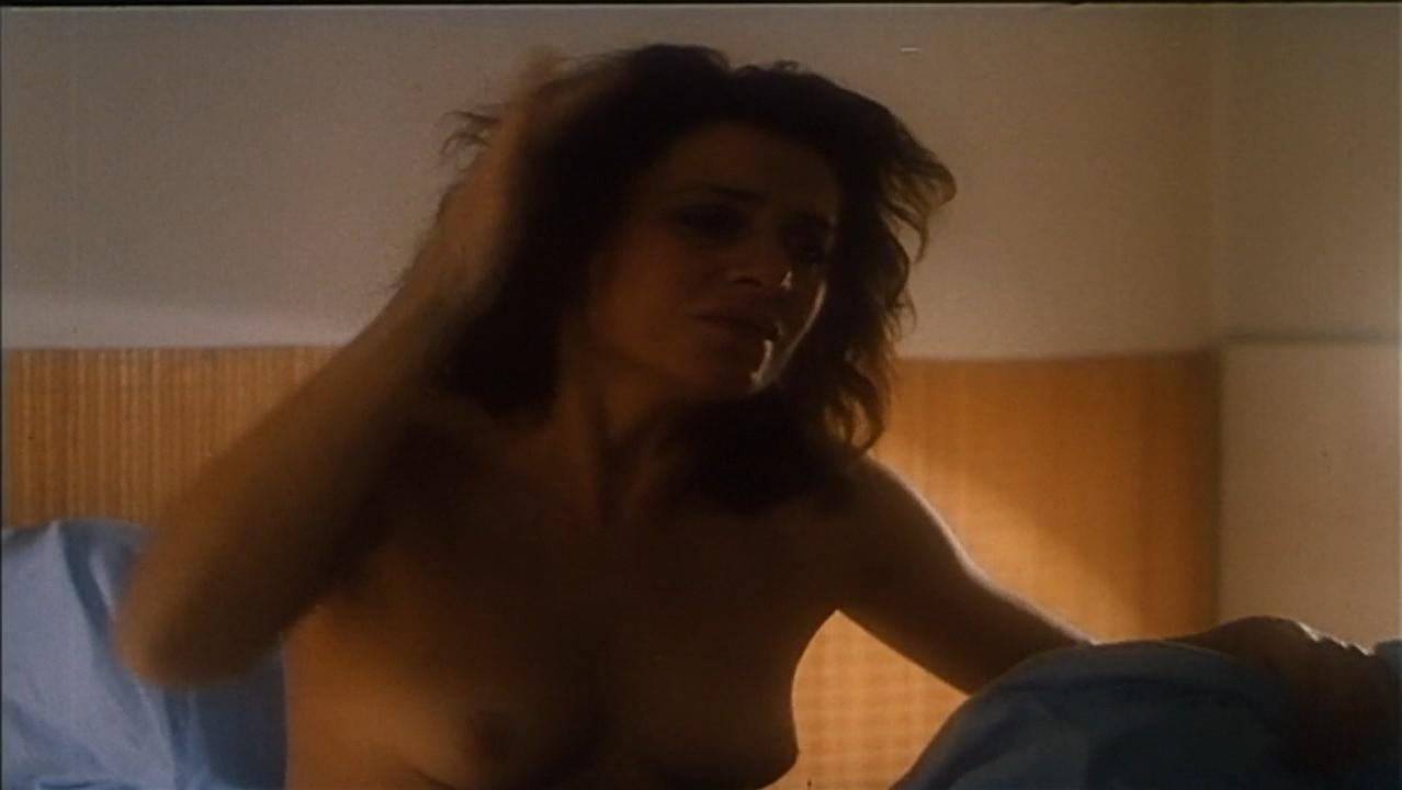 Anna Chodakowska nude - Sztuka kochania (1989)