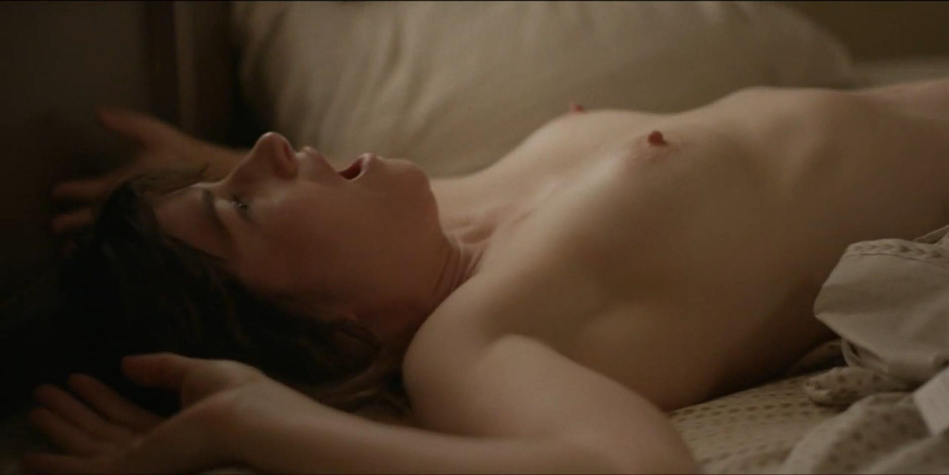 Kathryn Hahn nude - I Love Dick s01e02 (2017)