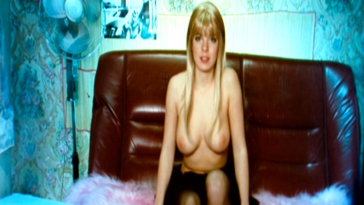 Anna Starshenbaum nude - Skazhi Leo (2008)