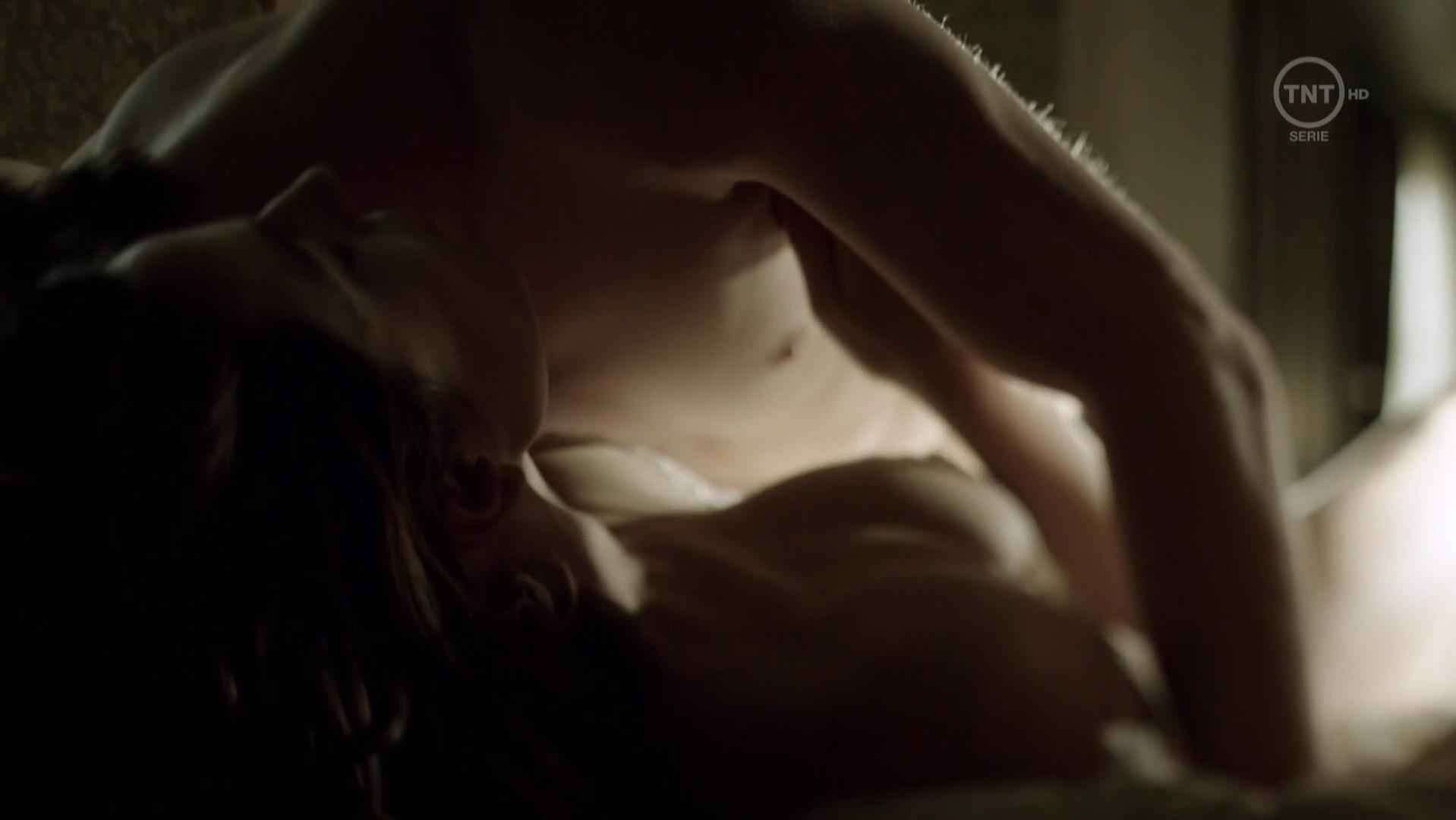 Antje Traue nude - Weinberg s01e01 (2015)