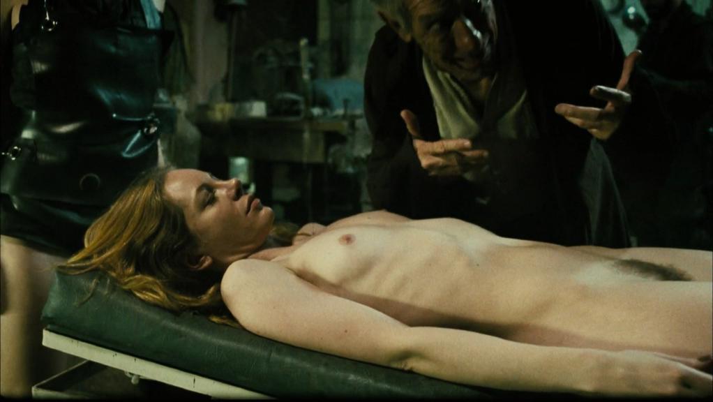 Resultado de imagem para encarnação do demônio nude
