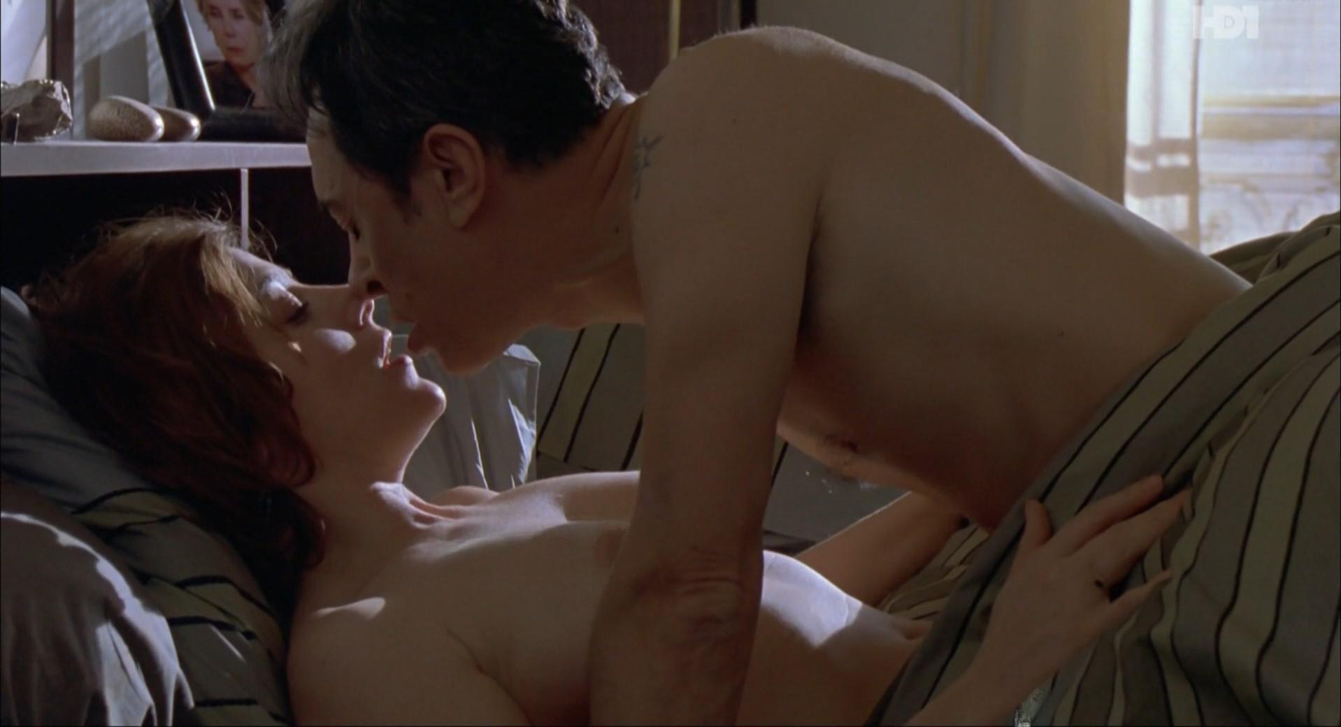 Valeria Bruni Tedeschi nude - Ah! Si j'étais riche (2002)