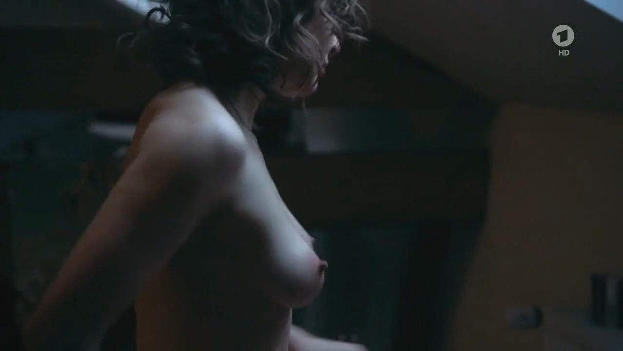 laura brooks nude