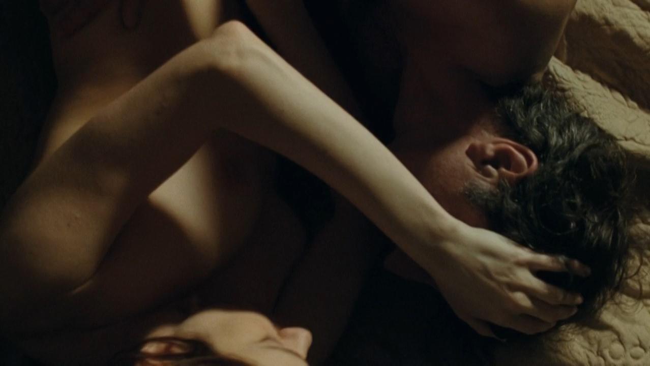 Marie-Josee Croze nude - Je l'aimais (2009)
