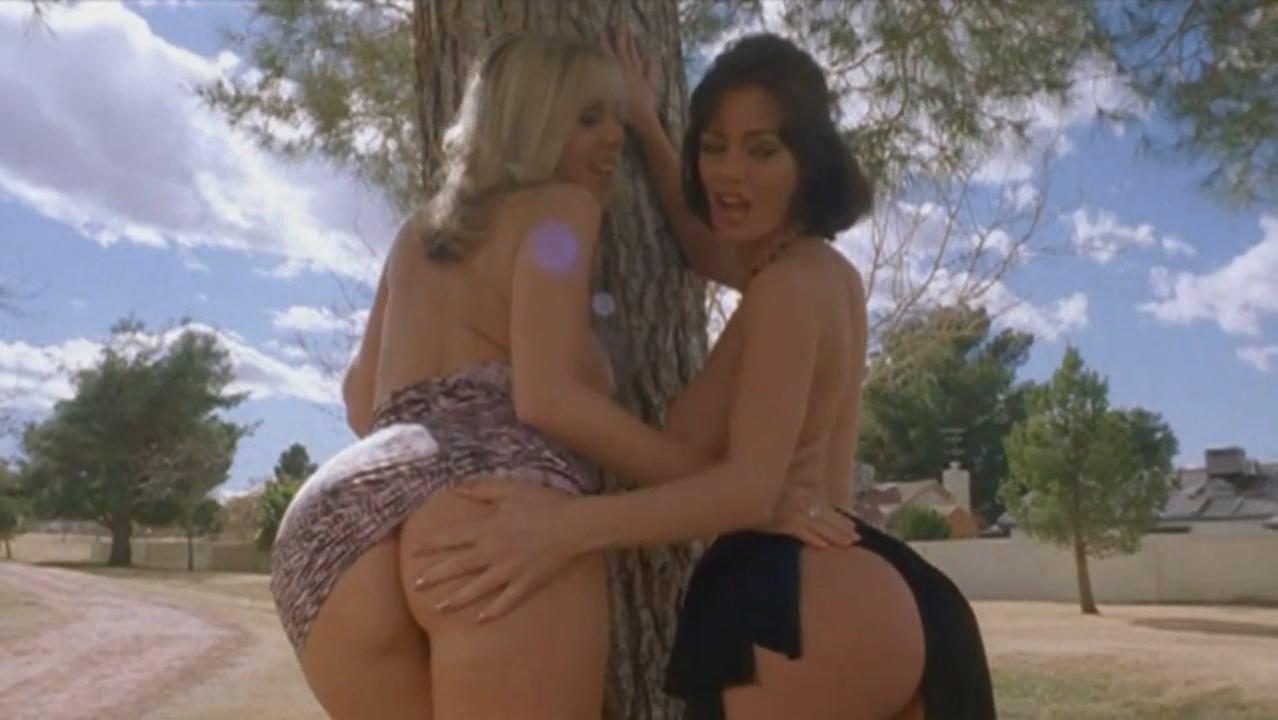 Crissy Moran nude, Jenna Velanni nude - Murder Set Pieces (2004)