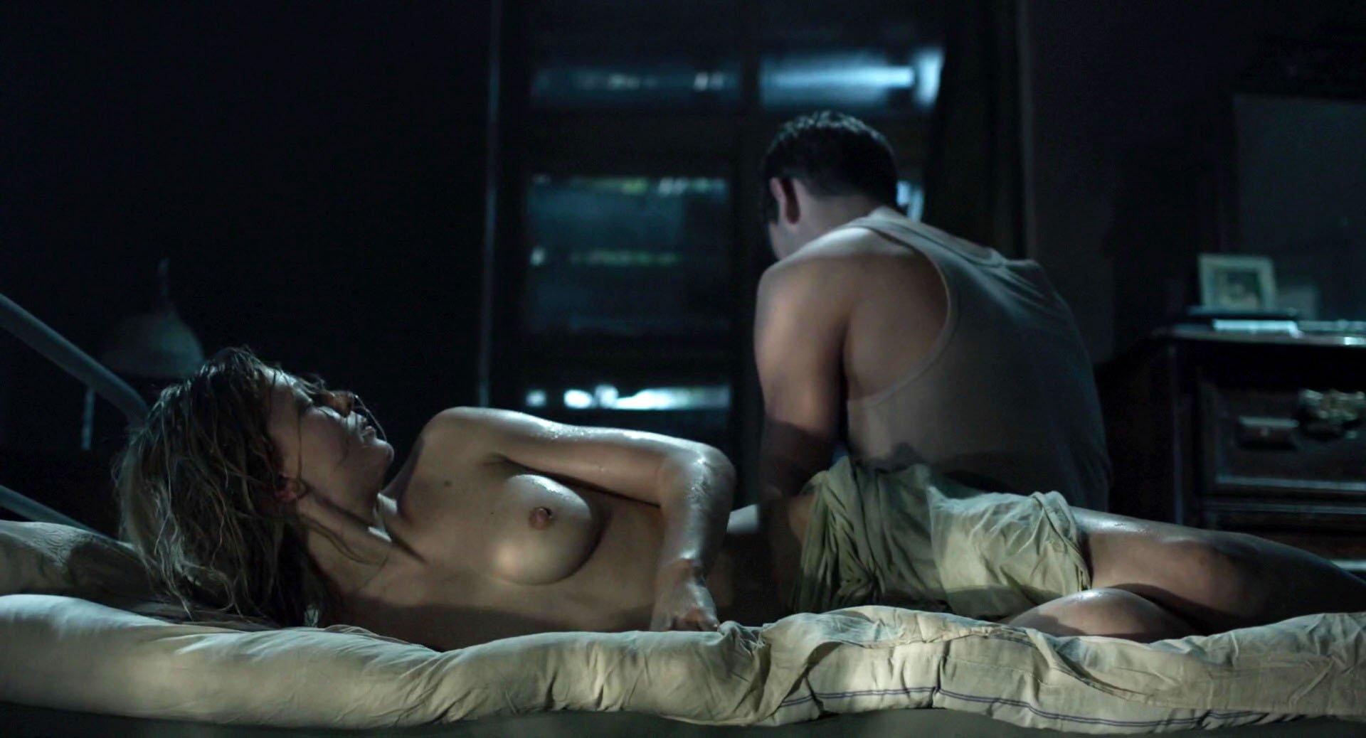 Yuliya Peresild nude - Kholodnoe tango (2017)