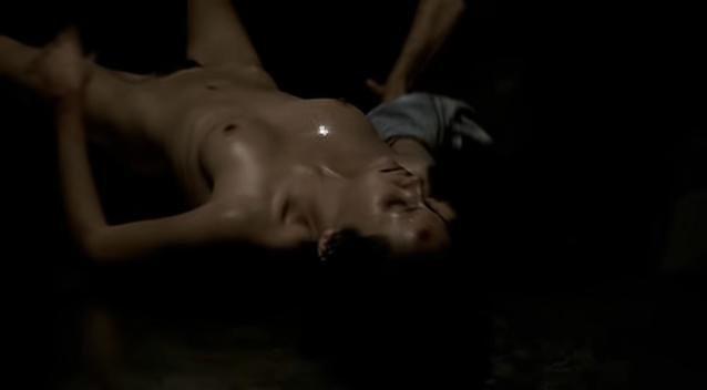 Antonella Costa nude - Garage Olimpo (1999)