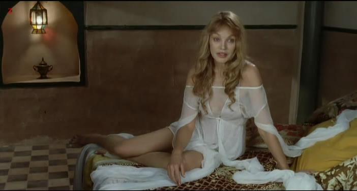 Arielle Dombasle nude - Gradiva (2006)